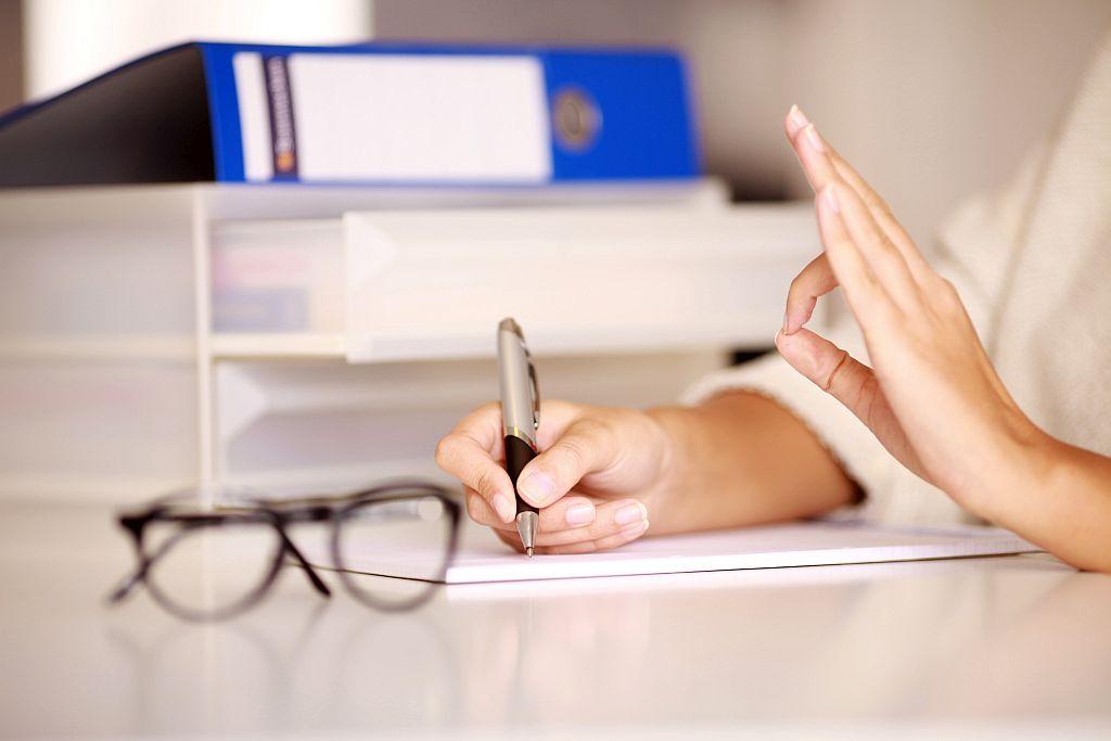 Jak rekrutować dobrego lektora? Część 5 – Zus czy nie zus – oto jest pytanie