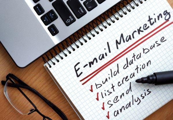 Jak tworzyć skuteczny e-mail marketing w nowym roku szkolnym
